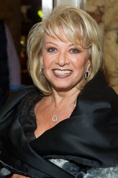 Elaine Paige at the Cats Opening Night. Photo: Dan Wooller - 1Elaine-Paige-at-the-Cats-opening-night.-Photo-credit-Dan-Wooller